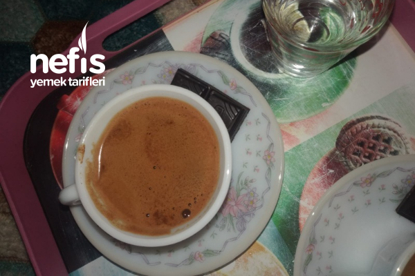 İftardan Sonra Nefis Çikolatalı Kahve Tarifi