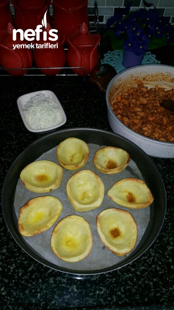 Patates Sandalında Tavuk Sote