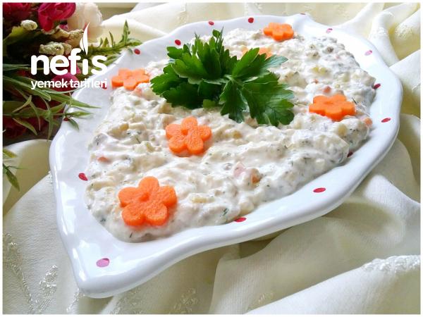 Kaşık Kaşık Yedirten Garnitürlü Patlıcan Salatası