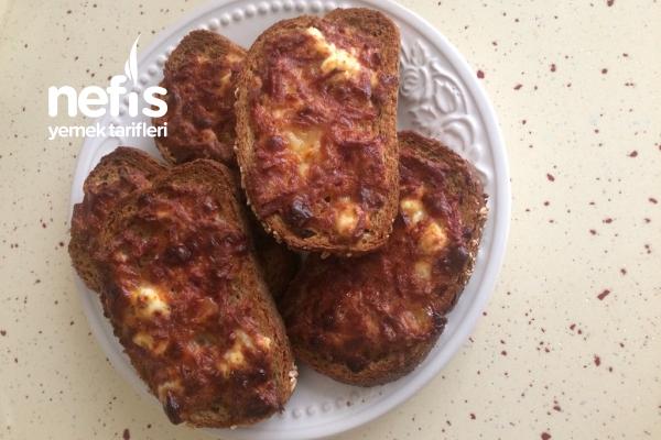 Sahurluk Ekmek Pizza Tarifi