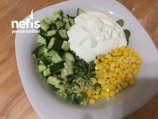 Yoğurtlu Semiz Otu Salatası