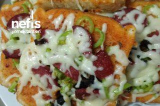 Pratik Tost Ekmeğinden Pizza Tarifi