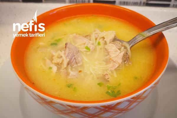 Tel Şehriyeli Tavuk Çorbası (Videolu) Tarifi