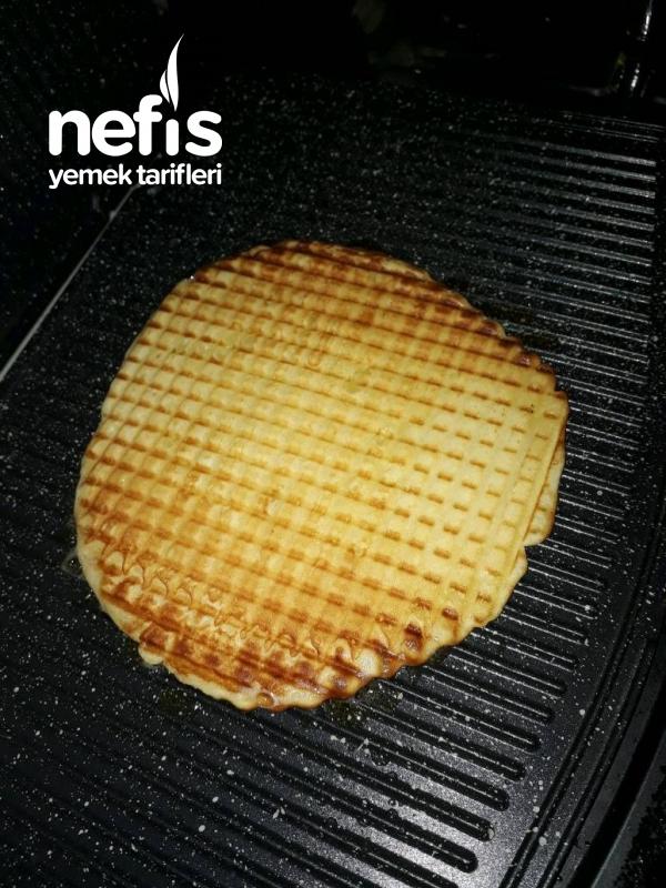 2 Kişilik Tost Makinasında Waffle