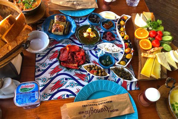 ayanoğlu tarz-ı kahvaltı evi