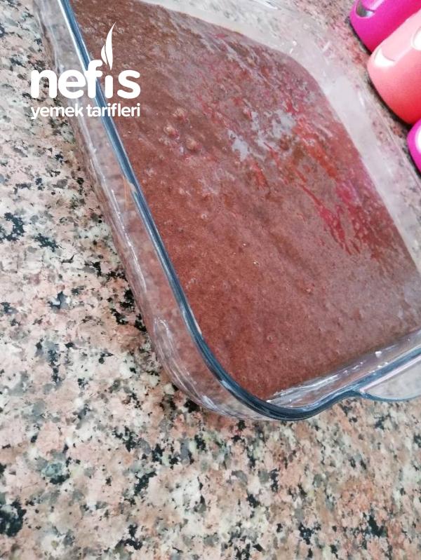 Hurmalı Islak Kek (sosunu Full Ceken Kek)