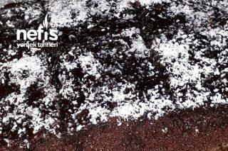 Tadı Damakta Kalacak Enfes Hurmalı Islak Kek Tarifi