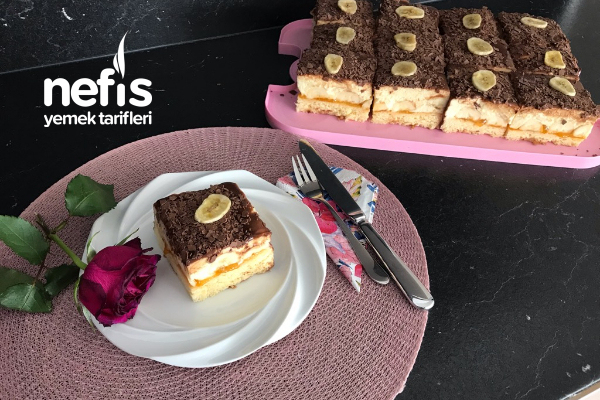 Alman Pastanelerindeki Muzlu Dilim Pasta Bananenschnitte Tarifi