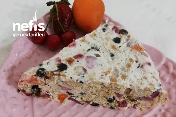 Dondurma Tadında Pasta (Çilek, Kayısı, Vişneli Parfe) Tarifi