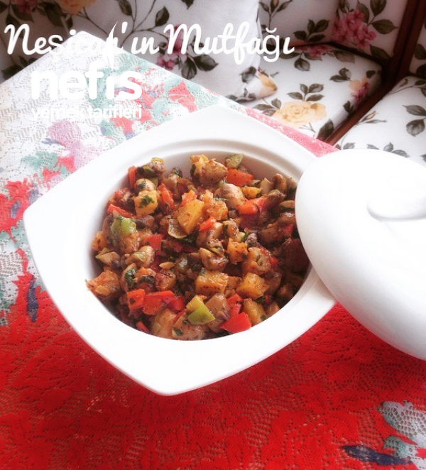 Nefis Patatesli Mantar Salatası