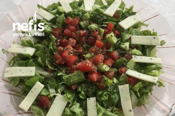 Fesleğenli Kıvırcık Salata Tarifi