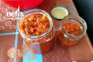 Acılı ezme sos Tarifi