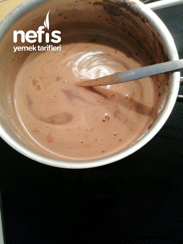 Ev Yapımı Harika Çikolata Sos