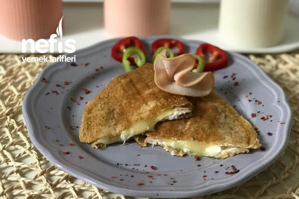 Sahur İçin Proteinli Pratik Krep Börek Tarifi