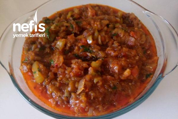 Közlenmiş Patlıcan Salatası Tarifi