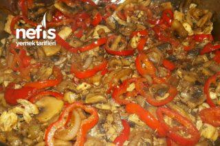 Mantarlı Tavuk Fajita Tarifi