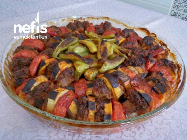 Yedikçe Yediren Köfteli Patlıcan Dizme