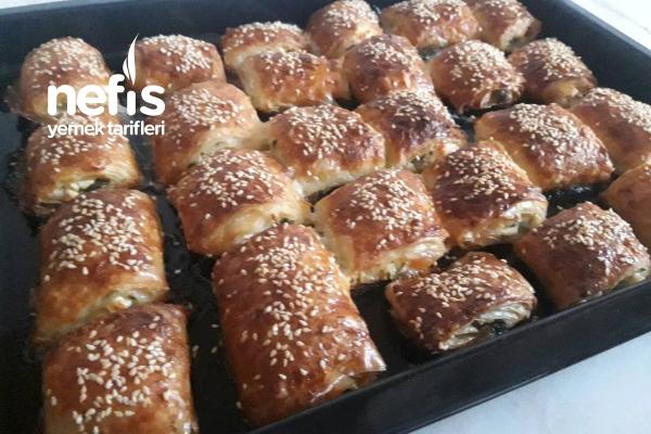 Enfes Baklava Yufkasından Peynirli Börek Tarifi