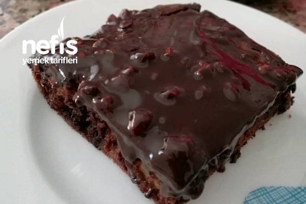 Çikolata Muzlu Kek (Kuru Üzüm Damla Çikolata) Tarifi