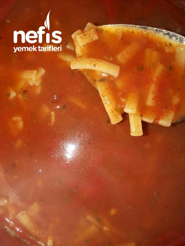 Kekikli Naneli Erişte Çorbası