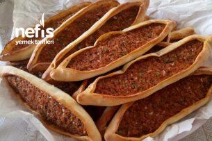 Hazırlara 10 Basan Kıymalı Pide (Etli Ekmek) Tarifi