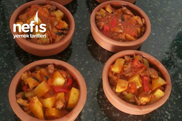 Güveçte Patatesli Patlıcanlı Et Yemeği Tarifi