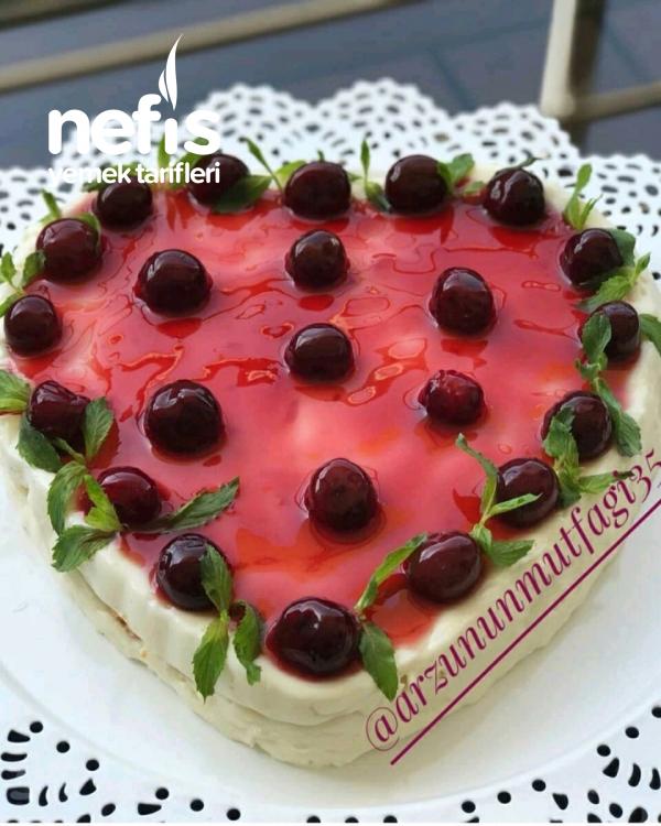 Bisküvili Vişneli Muhallebi Pasta
