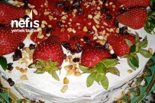 Hazıra Taş Çıkaran Tam Ölçüde Pasta Tarifi