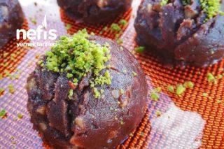 Çikolatalı Tahinli Un Helvası (ENFES) Tarifi