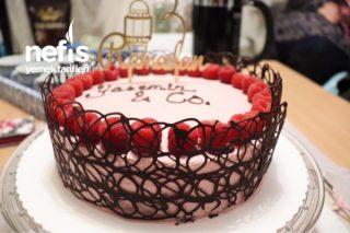 Meyve Kremalı Pasta Tarifi