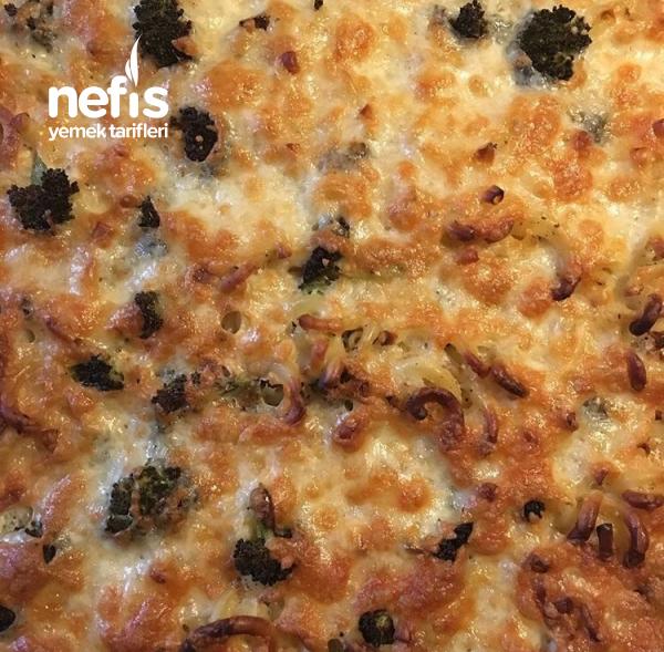 Fırında Brokolili Makarna