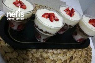 Sütlü İrmik Tatlısı (Sadece 3 Malzemeli) Tarifi