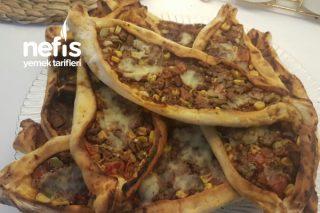 Zahterli Karışık Pide Pizza Tarifi