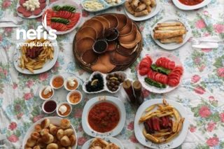 Bol Çeşitli Bayram Kahvaltısı Tarifi