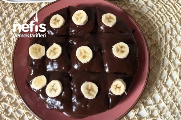 Tavada Çikolata Soslu Sağlıklı Kek