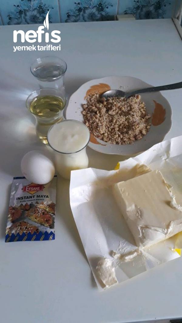 Tahinli Pekmezli Yumuşak Çörek