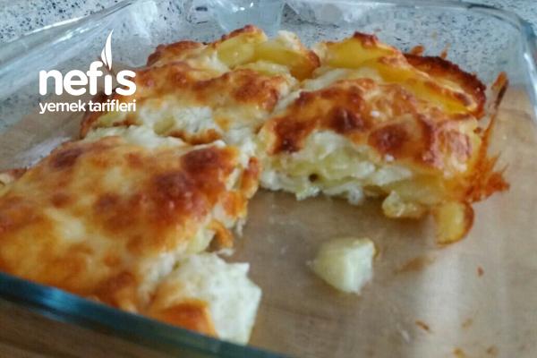 Beşamelli Fırın Patates (Çok Pratik Ve Lezzetli) Tarifi