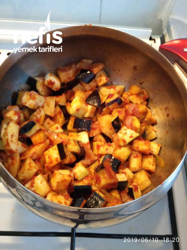 Etsiz Sulu Patlıcan Yemeği