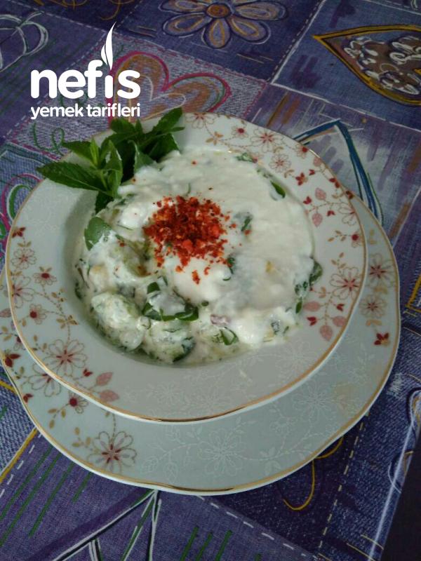 Kabaklı Semizotu Salatası (yoğurtlama)