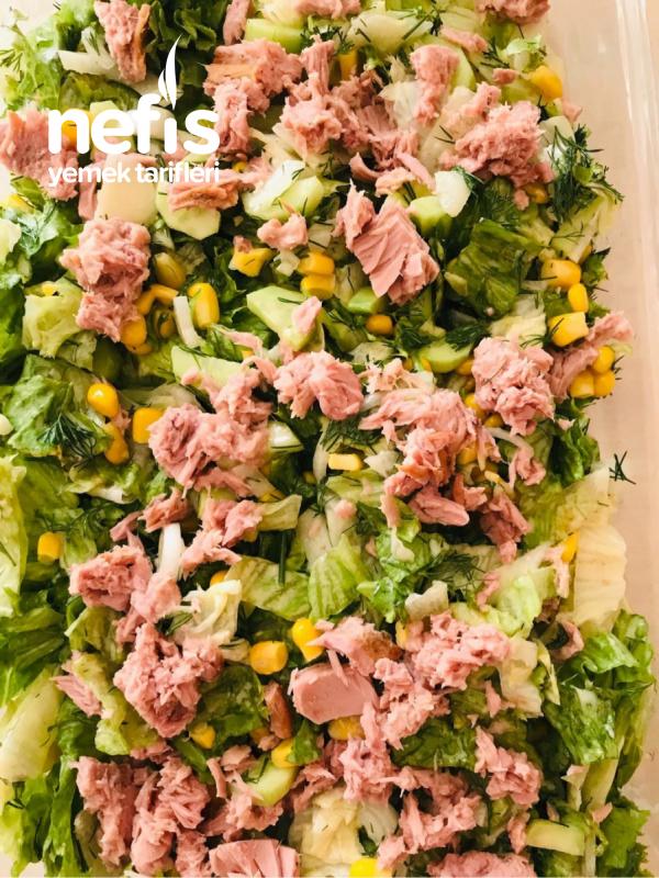 Özel Soslu Ton Balıklı Salata