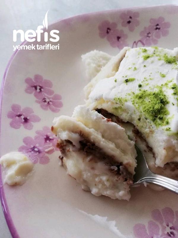 Pratik Bisküvili Pasta(mükemmel muhallebi tat ve kıvamıyla)