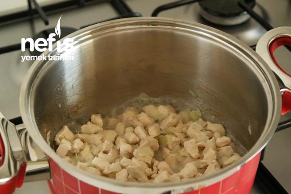 Bulgurlu Tavuk Çorbası Tarifi