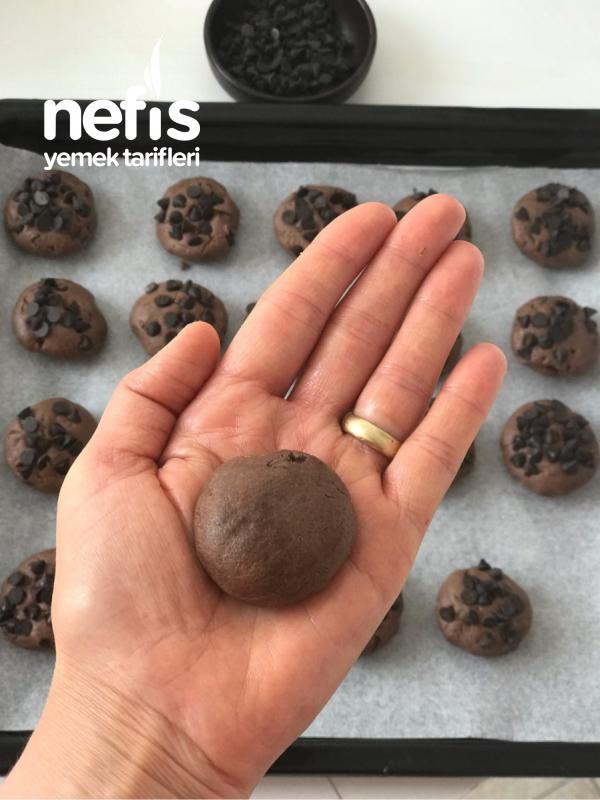 Kakaolu Damla Çikolatalı Kurabiye