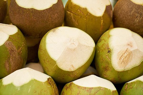 hindistan cevizi suyunun faydaları