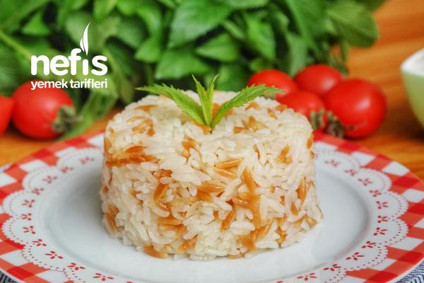 Şehriyeli Pirinç Pilavı Tarifi (videolu)