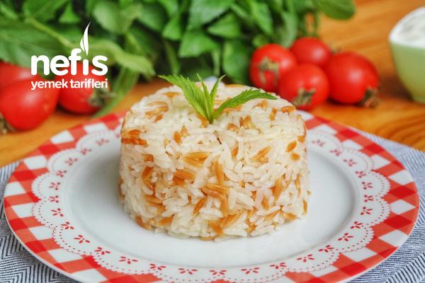 Şehriyeli Pirinç Pilavı Tarifi