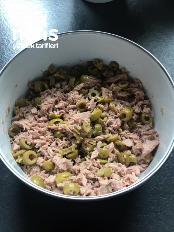 Ton Balıklı Zeytinli Samosa (Muska Böreği)