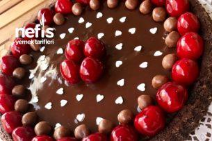 Bol Çikolatalı Nefis Tart Kek Tarifi