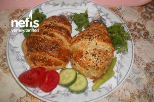 Şeritli Milföylü Soslu Tavuk Baget Böreği Tarifi