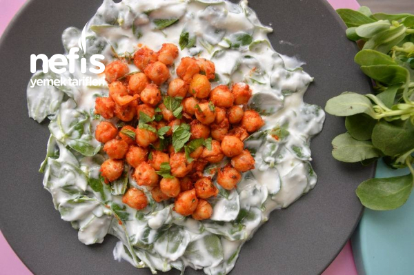 Nohut Kavurmalı Semizotu Salatası